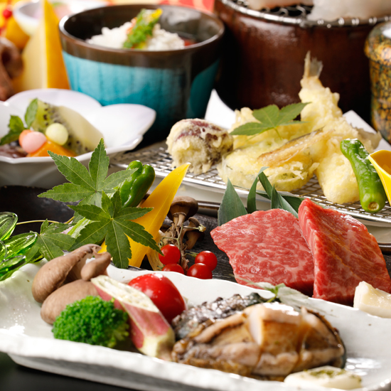 女将厳選「蝦夷アワビステーキ&神戸牛鉄板焼」がメインのスペシャル会席