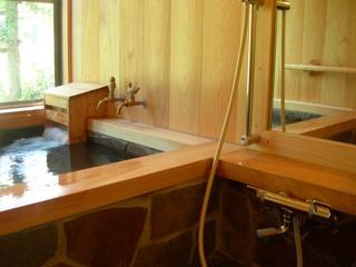 【1泊2食】白樺湖畔で旬菜満載フルコースと手作りパンの朝食を!《貸切温泉24hOK!》