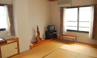 和室6畳(バス・トイレ付)