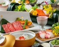 【露天風呂付客室】夏の味覚、小鮎(こあゆ)の出汁鍋と近江牛陶板焼きがメインの会席プラン