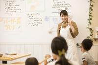 【わくわく手作り体験】八天堂カフェリエくりーむパン手作り体験 1泊朝食付