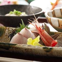 質にこだわる食の旅【富山の旬づくり会席】富山湾の新鮮な魚に厳選旬材7品+食事+特製デザート