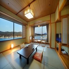 【 港側 和洋室 】 10畳+16平米ツインルーム