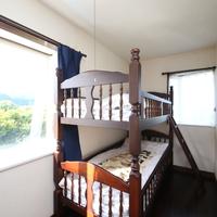 【8号室】 洋室2段ベッドルーム<オーシャンビュー>