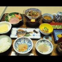 ◆ビジネス・観光にオススメ!当館自慢の朴葉味噌が味わえる朝食に舌鼓♪<朝食付プラン>