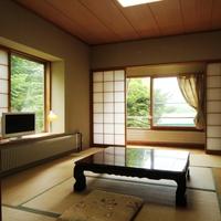 和室(バス・トイレ付き8畳+縁2畳)