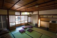 京の趣と風情感じるゆったり京間10畳の純和室203号室