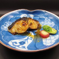 【3月限定】桜鯛の昆布〆利休和えと 鰆のフキノトウかけ醤油たれ焼 (1泊2食付)