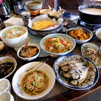 【姉妹店で使える朝食券付き・美肌湯堪能】嬉野温泉名物トロトロ温泉湯豆腐付き・人気の手料理バイキング♪