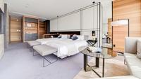 【セミスイートツイン】120cm幅のベッド2台(60平米)