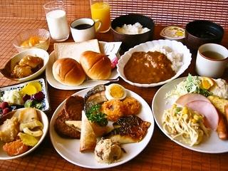 全室ルームシアター無料サービス中!ご朝食バイキング付きスプリング・プラン