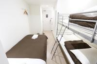 トリプル シェアバスルーム 禁煙 2段ベッド