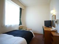 【西館】セミダブル【禁煙室】11平米/120cm幅ベッド1台