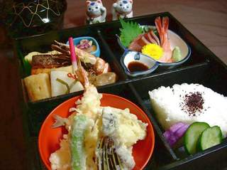 全室ルームシアター無料サービス中!松花堂弁当の夕食&ご朝食付きウインター・プラン