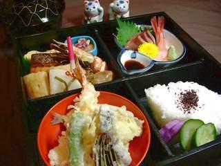 全室ルームシアター無料サービス中!松花堂弁当の夕食&ご朝食付き限定プラン