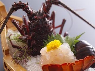 伊勢海老造りと松阪牛すき焼きが食べたい!専用レストランでお食事♪新客室『みさき亭』誕生記念プラン