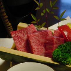 特産品の飛騨牛サーロインステーキ(A5ランク)付きの会席料理を楽しむプラン。