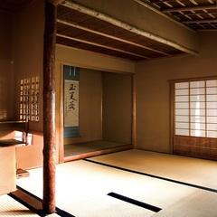 落ち着きの貴賓室「山楽荘」で昭和初期の贅を慈しむ
