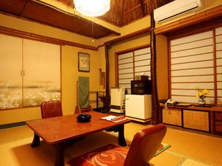 昔ながらの寛ぎ和室(6〜10畳)