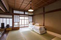 二条城まで徒歩8分、京町家貸し切りの宿