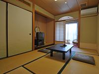 和室(駅側6畳)トイレ付