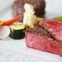 '【17時ディナー&ワンドリンク付】食後はゆったり心満たす安らぎの時間〜≪道産牛ステーキ食べ比べ≫〜