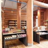 ◆森に囲まれた天然温泉ログホテル〜道産小麦の焼き立てパンと地元食材バイキング〜【朝食のみ】
