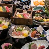 【レストラン・食事プラン】《金目鯛ゆずみぞれ鍋&四万十豚せいろ蒸し&鰹のたたき》皿鉢料理プラン