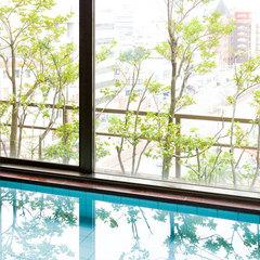 【禁煙】上層階ツイン 約28平米ゆったり客室。160cm×195cmのクイーンサイズベッド2台