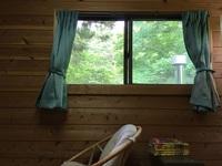 1棟貸しタイプ、天然杉の寝室3室にキッチン・カラオケコーナー