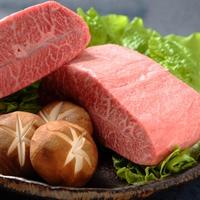 【基本グルメ】A5ランクの特選和牛を石焼で…じゅわっと★通常コースのお肉料理をランクUP!