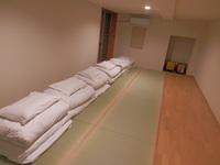最大6人利用個室 広々和室 共用バスルーム