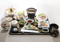 2食付プラン-隠岐の新鮮な魚貝類をふんだんに使った会席料理をご堪能ください。