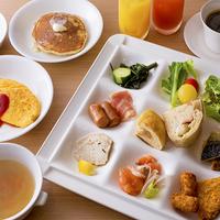 【1泊朝食付】人気の<フレンチトースト>ほか、豊かな朝を彩る「ビュッフェ」と温泉で癒しの一日