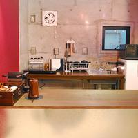 【客室「ロックサイド」スタンダードプラン】ビンテージ家具を配した重厚感ある空間をどうぞ(素泊まり)
