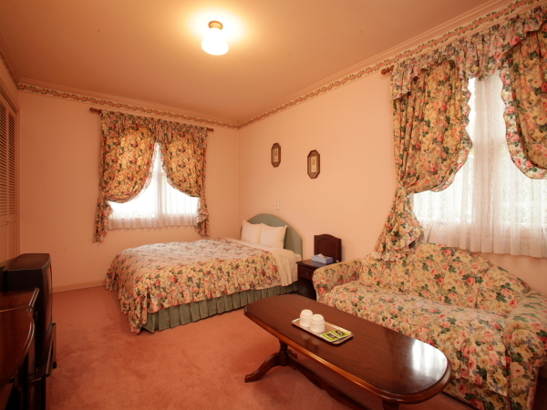 Deluxe Double Room 10 to 15 Sq M