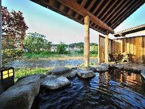 【新館スタンダードプラン 】 料理長自慢の旬のお料理を楽しむ♪渓流眺める川沿い客室