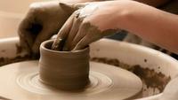 【唐津焼の窯元で陶芸体験】旅の想い出を形に。オリジナルの器を作る陶芸体験付プラン<季節の会席(梅)>