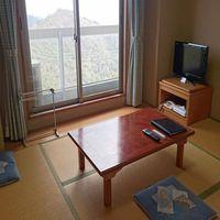 〜6畳一間・風呂なし〜 眺望抜群の和室で摩耶山を愉しむ