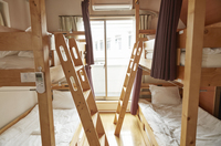 男女共用ドミトリー 2段ベッド×2