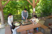 【BBQ+朝食♪】富山市内の静かな森の中。 天然温泉とコテージでくつろごう♪