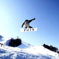 <夕食付>関温泉スキー場へ徒歩1分!源泉かけ流し100%【お先でスノ。】
