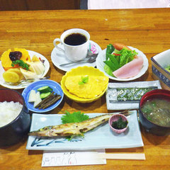 【朝食付】ボリューム満点!人気の手作り和朝食で1日をスタート