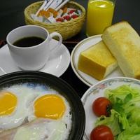 【朝食無料】★和食は自慢の富山県産コシヒカリ・洋食は熱々ベーコンエッグ☆