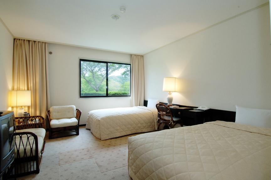 Тиба - Tsurumai Moon Lake Hotel
