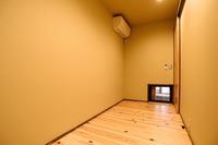 個室シングルルーム洋室