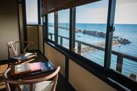 【海側 和室】越前海岸に面したお部屋です。