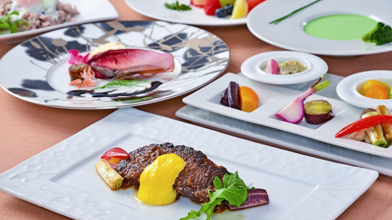【夕食・朝食付】2種類のソースで楽しむ牛ロースと地野菜のスタンダードコース|5月まで