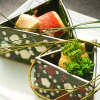 【奏の京懐石 〜琉璃コース〜】市場直送の『食材』を厳選。その道40年以上の料理長が技を尽くす