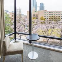 【お部屋でお花見】桜ビュールームで春満開<てまり寿司三段重ランチ+スパークリングワイン付/朝食なし>